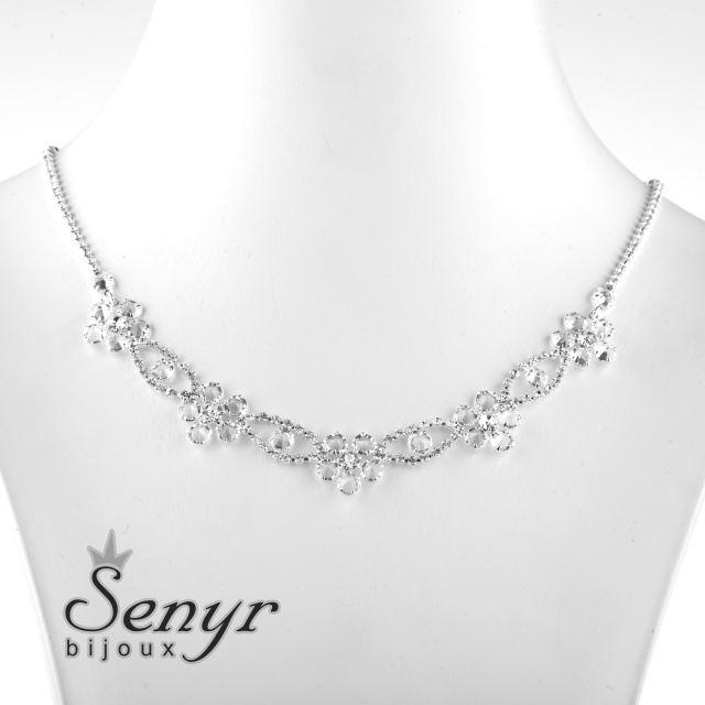 Romantický květinový náhrdelník