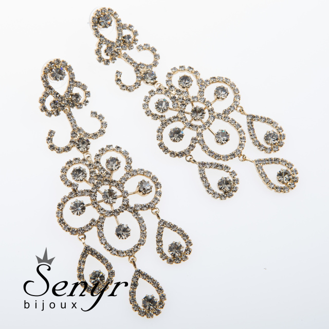 Deluxe earrings with flower