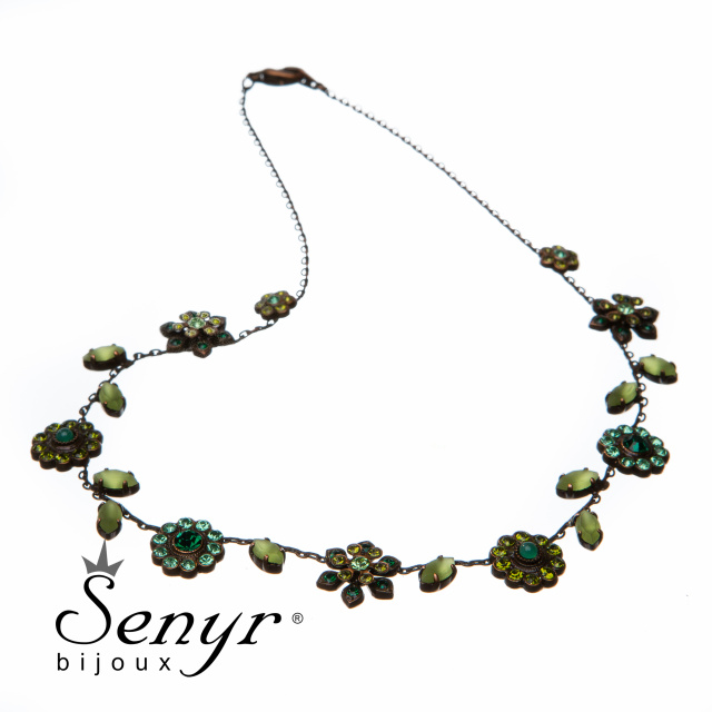 Květinový náhrdelník