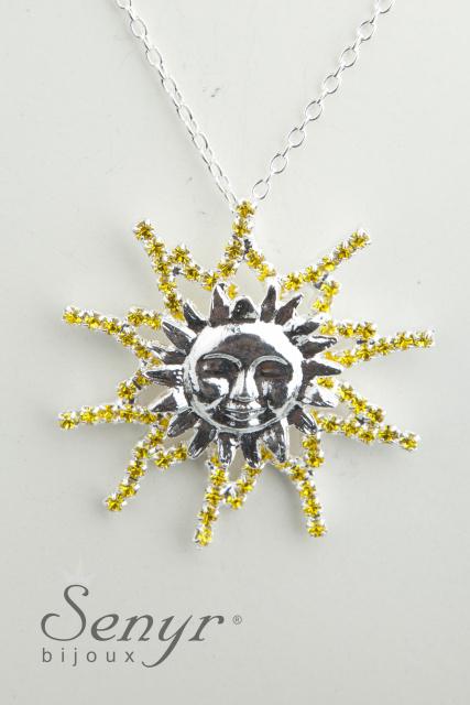 Slunce s křišťálovými paprsky