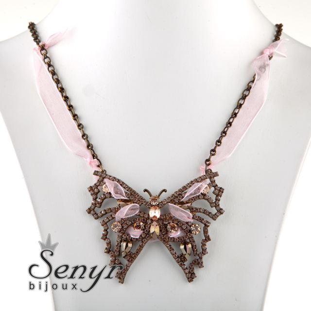 Náhrdelník motýl
