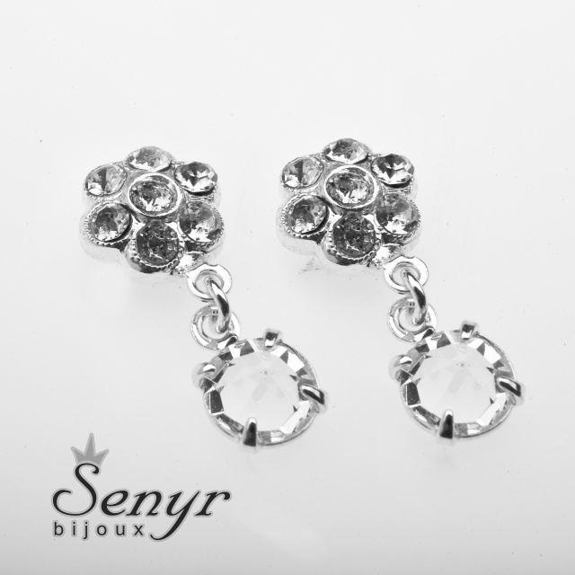 Earrings with flowers