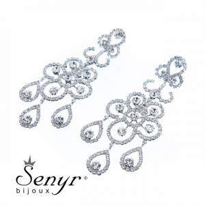 Deluxe flower-shaped earrings